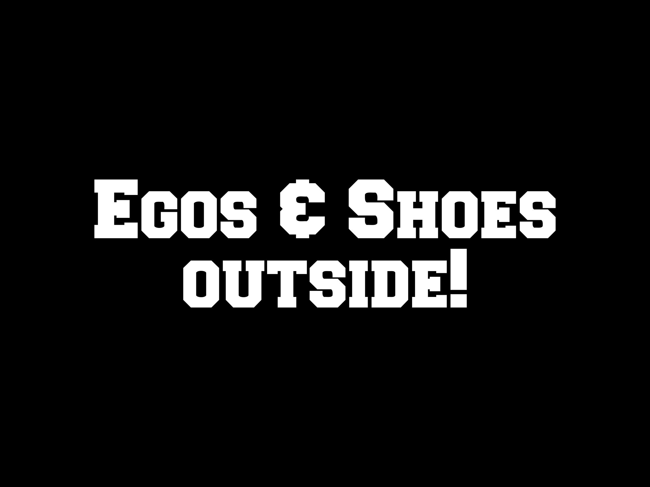 Footmat egos & shoes outside PM-121728-1763